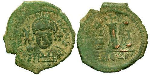 1 Decanummium Byzantine Empire (330-1453) Bronze Justin II (520-578)
