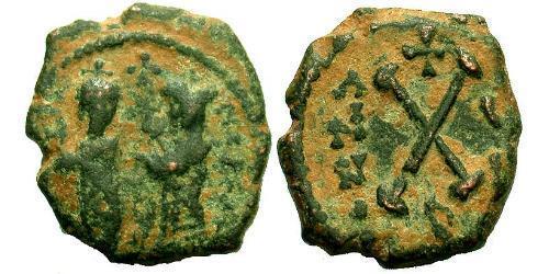 1 Decanummium Byzantine Empire (330-1453) Bronze Phocas(?-610)