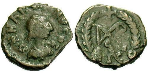 1 Follis / 1 AE4 Byzantine Empire (330-1453) Bronze Marcian (392-457)