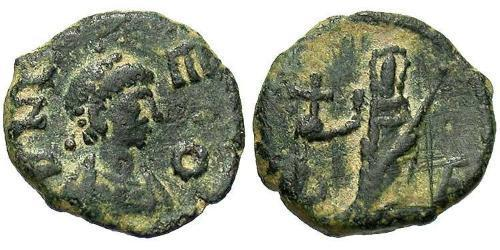 1 Follis / 1 AE4 Byzantine Empire (330-1453) Bronze Leo the Thracian (401-474)