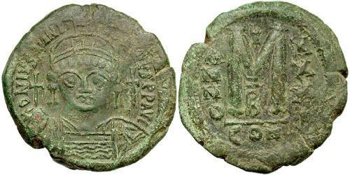 Follis Byzantine Empire (330-1453) Bronze Justinian I (482-565)